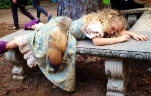 viv-sleeping-at-faire